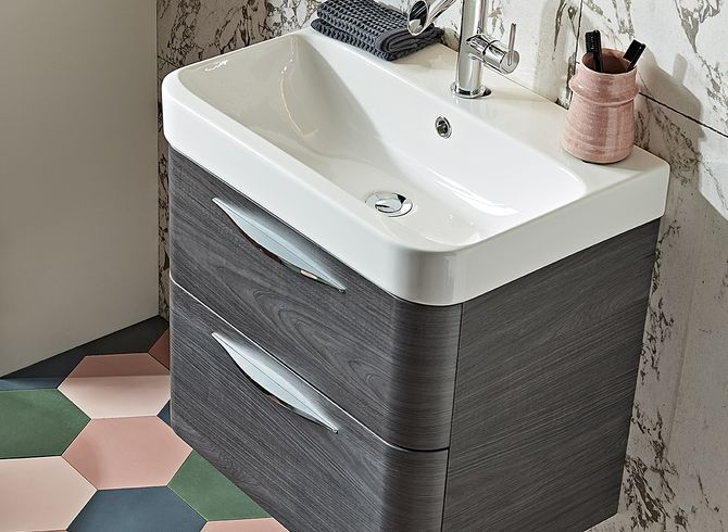 System 600 umbra ceramic detail lifestyle