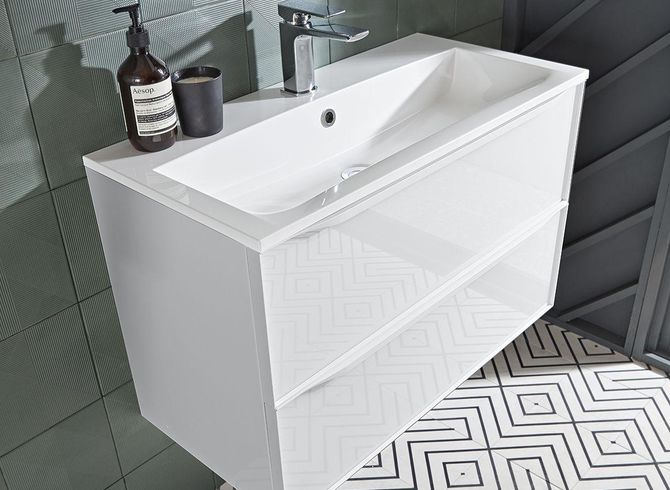 Frame 800mm White with Isocast basin lifestyle