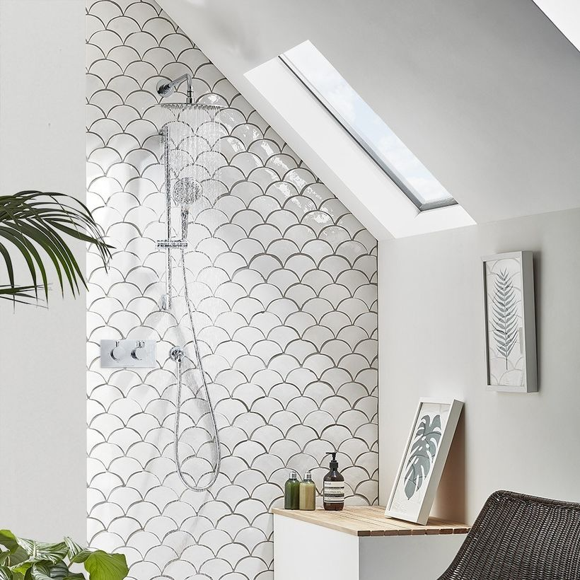 Verse shower system lifestyle SVSET77