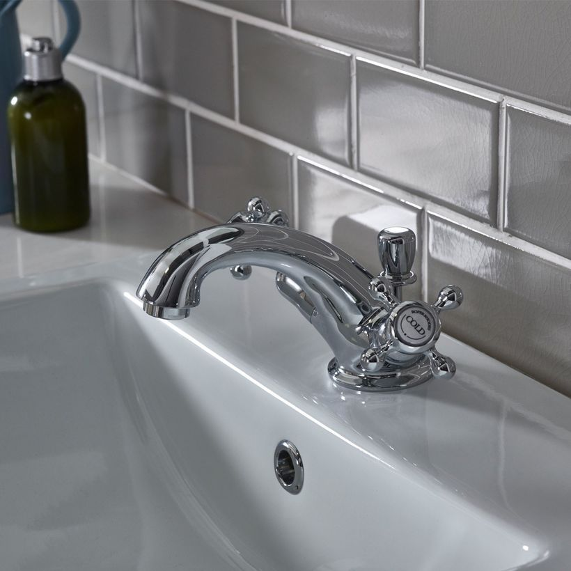Henley basin mixer lifestyle v01 for web
