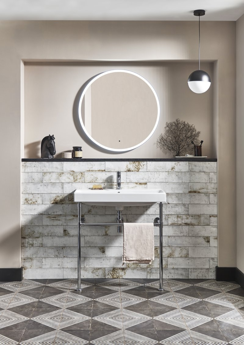 Washstand with Frame 800 lifestyle